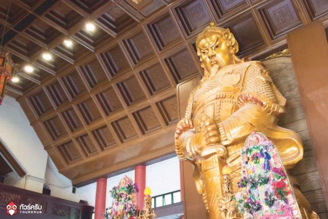 Hongkong-5-a-must-temple_03.jpg